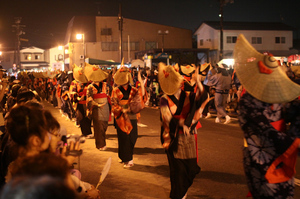 西馬音内盆踊り2013.2.jpg
