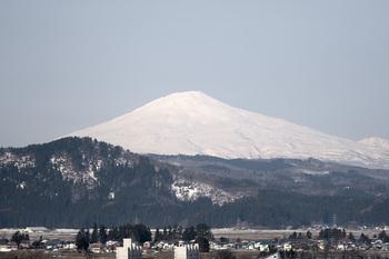 鳥海山写真2012.04.16.jpg