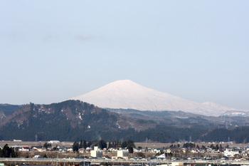 鳥海山写真2012.04.21.jpg