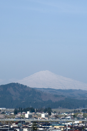 鳥海山写真2012.05.1.jpg