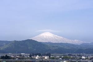 鳥海山写真2012.05.14.jpg