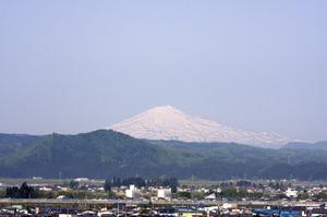 鳥海山写真2012.05.21.jpg