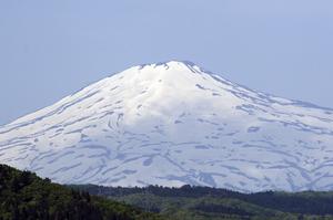 鳥海山写真2012.05.22.jpg