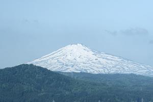 鳥海山写真2012.05.31.jpg