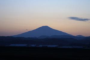 鳥海山写真2013.10.10 柳田橋付近.jpg