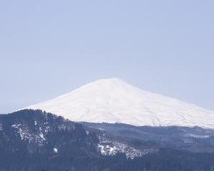 鳥海山写真2013.4.9 みたけ蔵.jpg