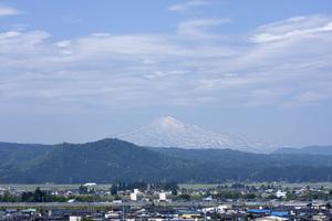 鳥海山写真2013.6.11みたけ蔵.jpg