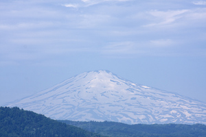 鳥海山写真2013.6.11みたけ蔵2.jpg