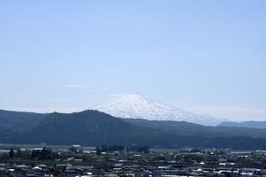 鳥海山写真2013.6.12みたけ蔵.jpg
