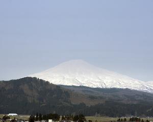 鳥海山写真2013.5.9  みたけ蔵.jpg