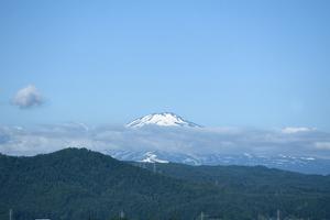 鳥海山写真2013.6.24みたけ蔵.jpg