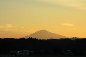 鳥海山写真2013.8.21三輪野中.jpg