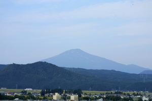 鳥海山写真2013.9.18.みたけ蔵8時.jpg