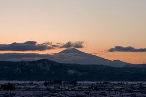 鳥海山写真2014.2.12.みたけ蔵.jpg