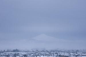 鳥海山写真2014.2.8.みたけ蔵.jpg