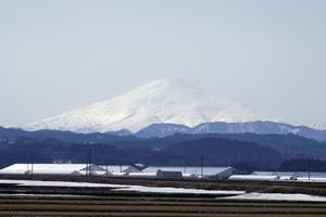 鳥海山写真2014.4.jpg