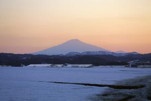 鳥海山写真2014.4.1.柳田橋付近.jpg