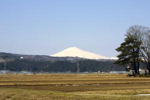 鳥海山写真2014.4.13深堀.jpg