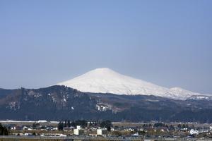 鳥海山写真2014.4.14みたけ蔵1.jpg