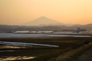 鳥海山写真2014.4.8 柳田橋付近  .jpg