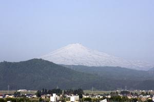 鳥海山写真2014.5.28.jpg
