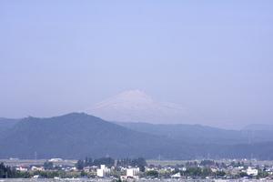 鳥海山写真2014.6.2みたけ蔵.jpg