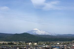 鳥海山写真2014.6.5.みたけ蔵.jpg