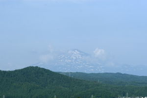 鳥海山写真2014.7.22みたけ蔵.jpg