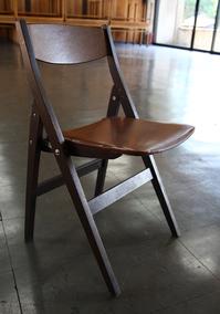 会館椅子.jpg