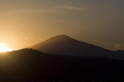 鳥海山夕日 1022.jpg