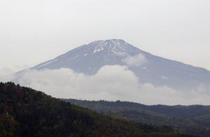 鳥海山写真2014.10.22みたけ.jpg