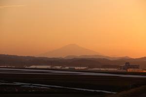 鳥海山写真2015.3.27 .jpg