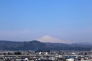 鳥海山写真2015.4.23 .jpg