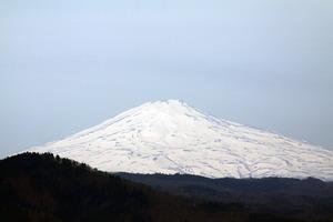 鳥海山写真2015.4.24 .jpg