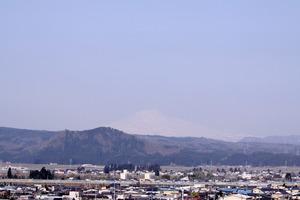 鳥海山写真2015.4.27 .jpg