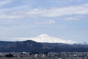 鳥海山写真2015.4.8 .jpg
