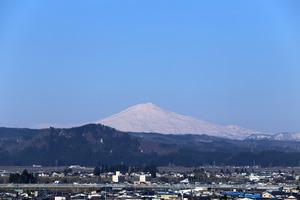鳥海山写真2015.4.9 .jpg