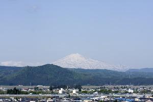 鳥海山写真2015.5.11 .jpg