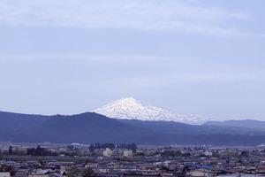 鳥海山写真2015.5.26 .jpg