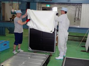 圧搾板からろ布を外す3.JPG