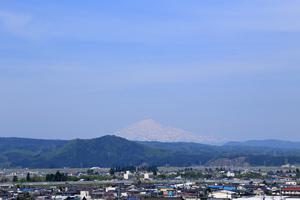鳥海山写真2016.5.16.jpg
