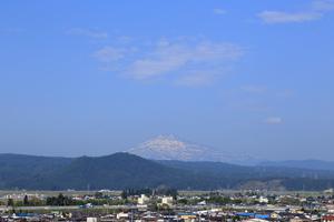 鳥海山写真2016.5.30.jpg