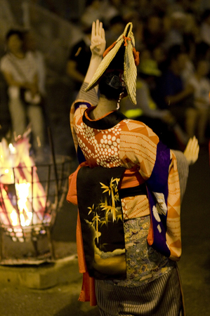 西馬音内盆踊り2012.1.jpgのサムネイル画像