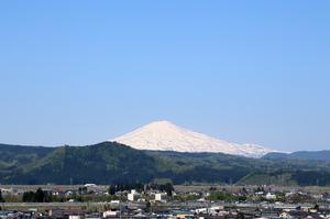 鳥海山写真 2019.5.13.jpg